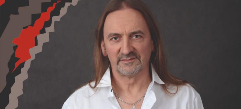 Legendy polskiego rocka. Marek Piekarczyk z zespołem