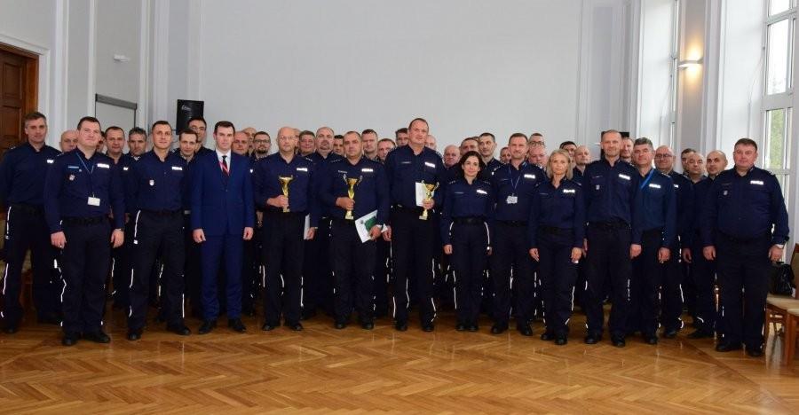 Policjanci z Sanoka i Brzozowa najlepszymi dyżurnymi na Podkarpaciu