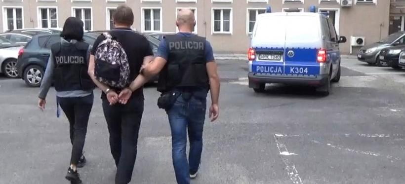 """Rzeszowska policja zatrzymała byłych szefów sklepów """"Jedynka"""" (WIDEO)"""