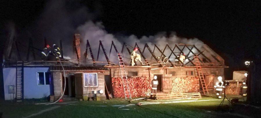 Tragiczny pożar. Nie żyje 58-latek (ZDJĘCIA)