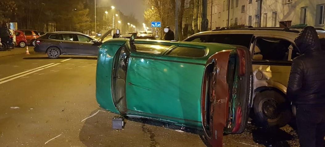 Z OSTATNIEJ CHWILI: Groźny wypadek na ul. Krakowskiej (FOTO)