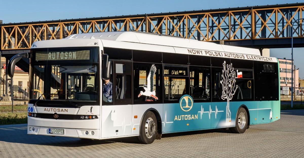 Rzeszów testuje sanockie elektryczne autobusy