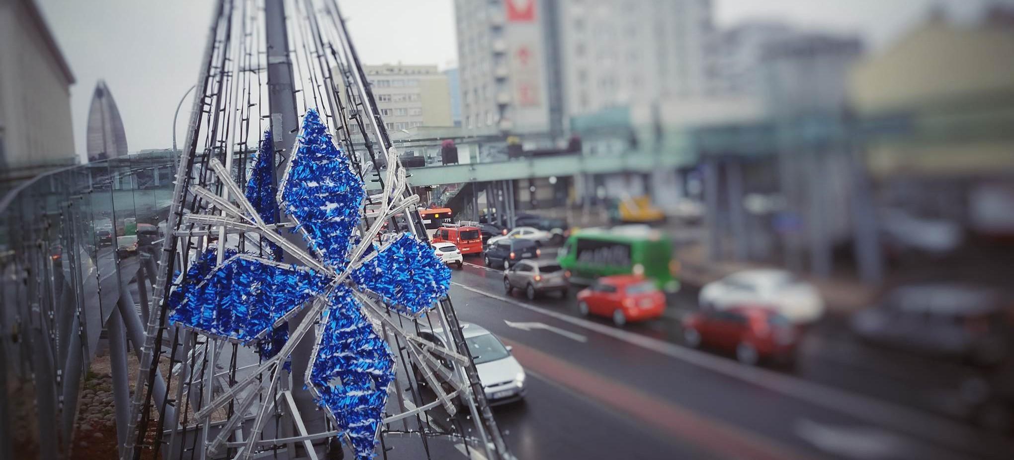 Pierwszy śnieg i pierwsze ozdoby świąteczne w Rzeszowie (FILM, FOTO)