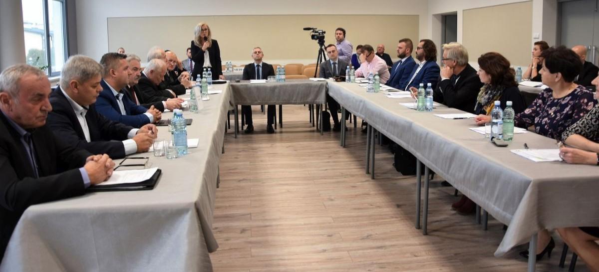 SESJA: Zaprzysiężenie radnego, wybór wiceprzewodniczących rady