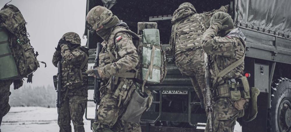 Ćwiczenia sanockich terytorialsów. Tym razem ze spadochroniarzami (ZDJĘCIA)
