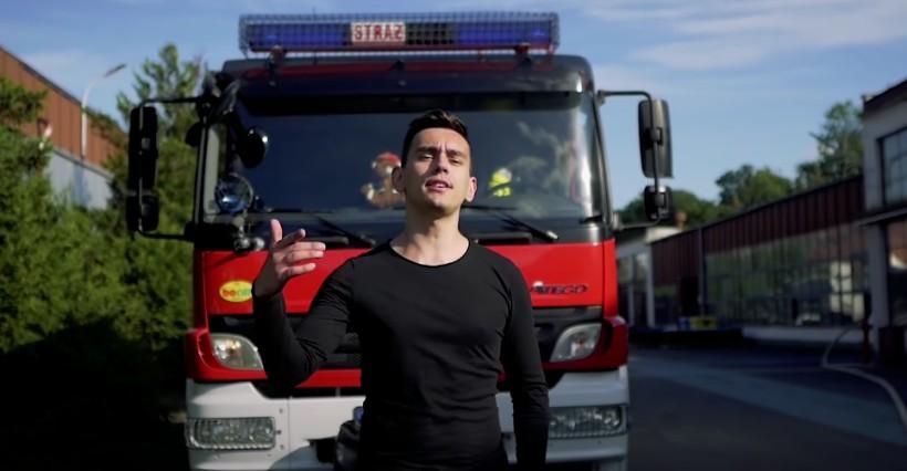Denis z Podkarpacia nagrał piosenkę z podziękowaniem dla strażaków (WIDEO)