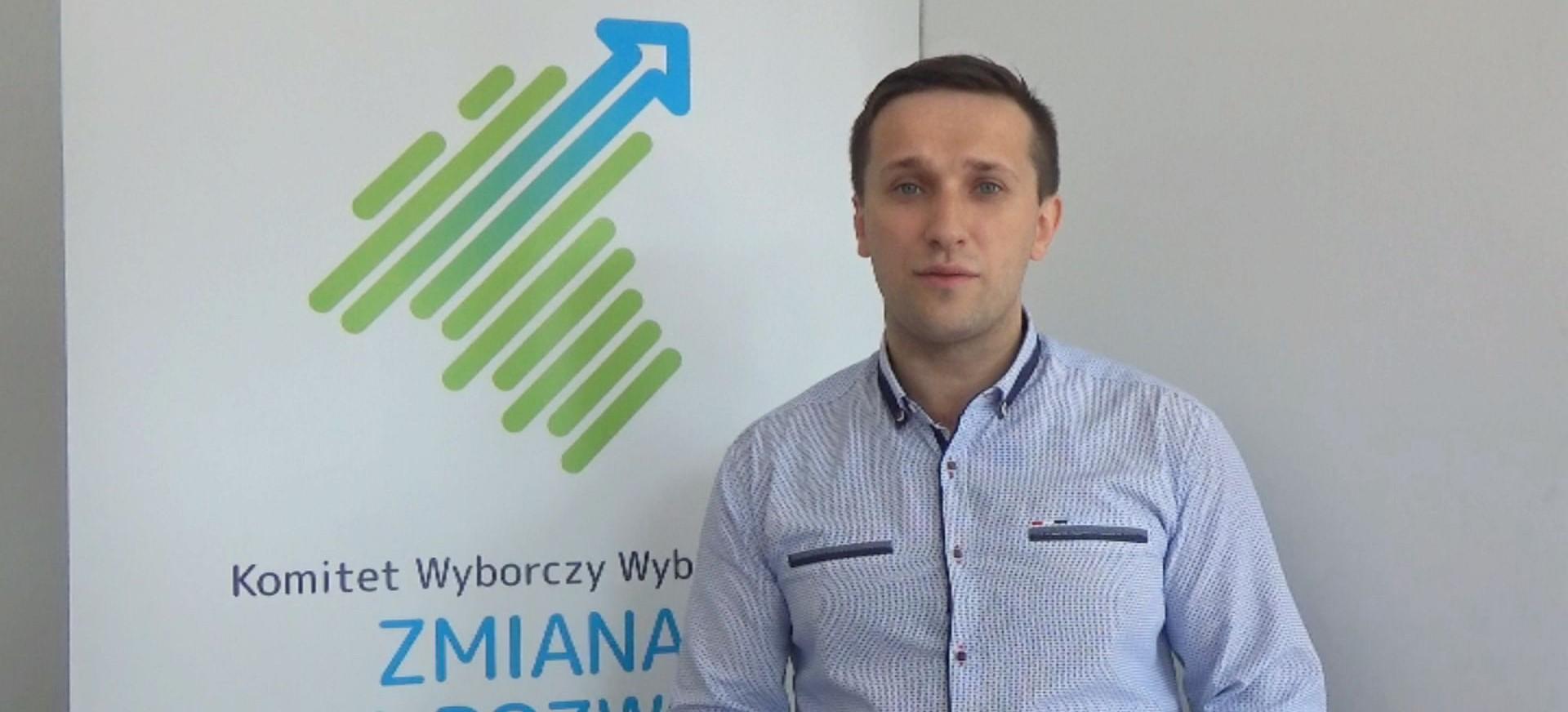 Szymon Stapiński otwiera drzwi Zmiany Dla Rozwoju i zaprasza mieszkańców (FILM)
