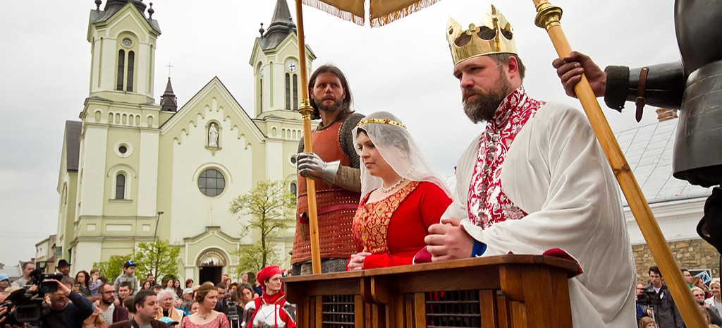 Dzisiaj 604. rocznica królewskiego ślubu w Sanoku. VIDEO z rekonstrukcji (FILM, ZDJĘCIA)