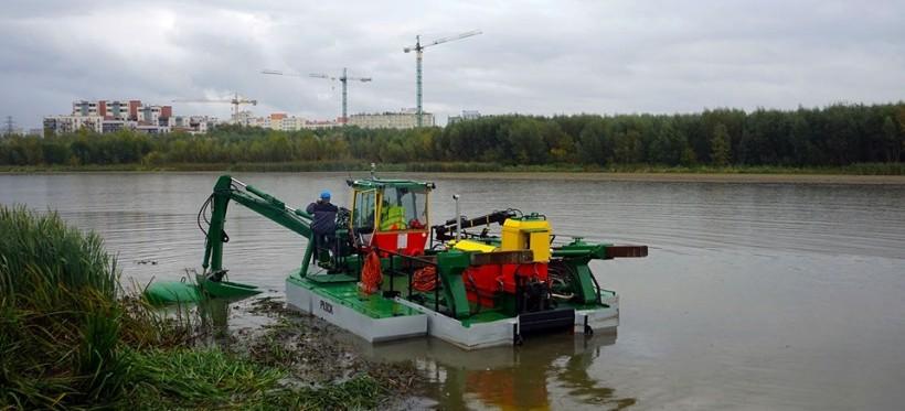 Odmulanie zalewu w Rzeszowie. Na miejscu jest pierwsza maszyna!