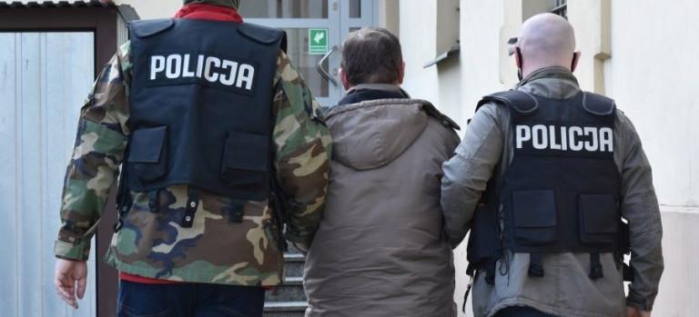 Rzeszowska policja zatrzymała mężczyznę, który rozpowszechniał treści pedofilskie