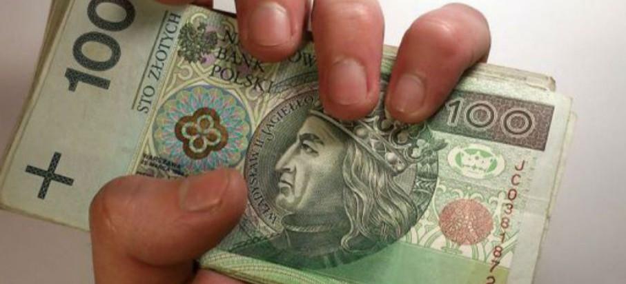 REGION: Wzrost wynagrodzeń i spadek bezrobocia we wszystkich powiatach!