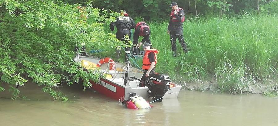 Szukają mężczyzny, który topił się w rzece. Bez skutku