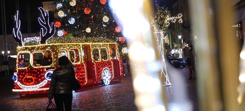 RZESZÓW. Świąteczne oświetlenie za 1,3 miliona złotych. Wybrano wykonawcę