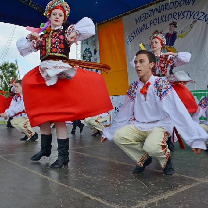 """Folklorystyczne święto w Niebocku. Festiwal """"Dzieci Gór i Dolin"""""""