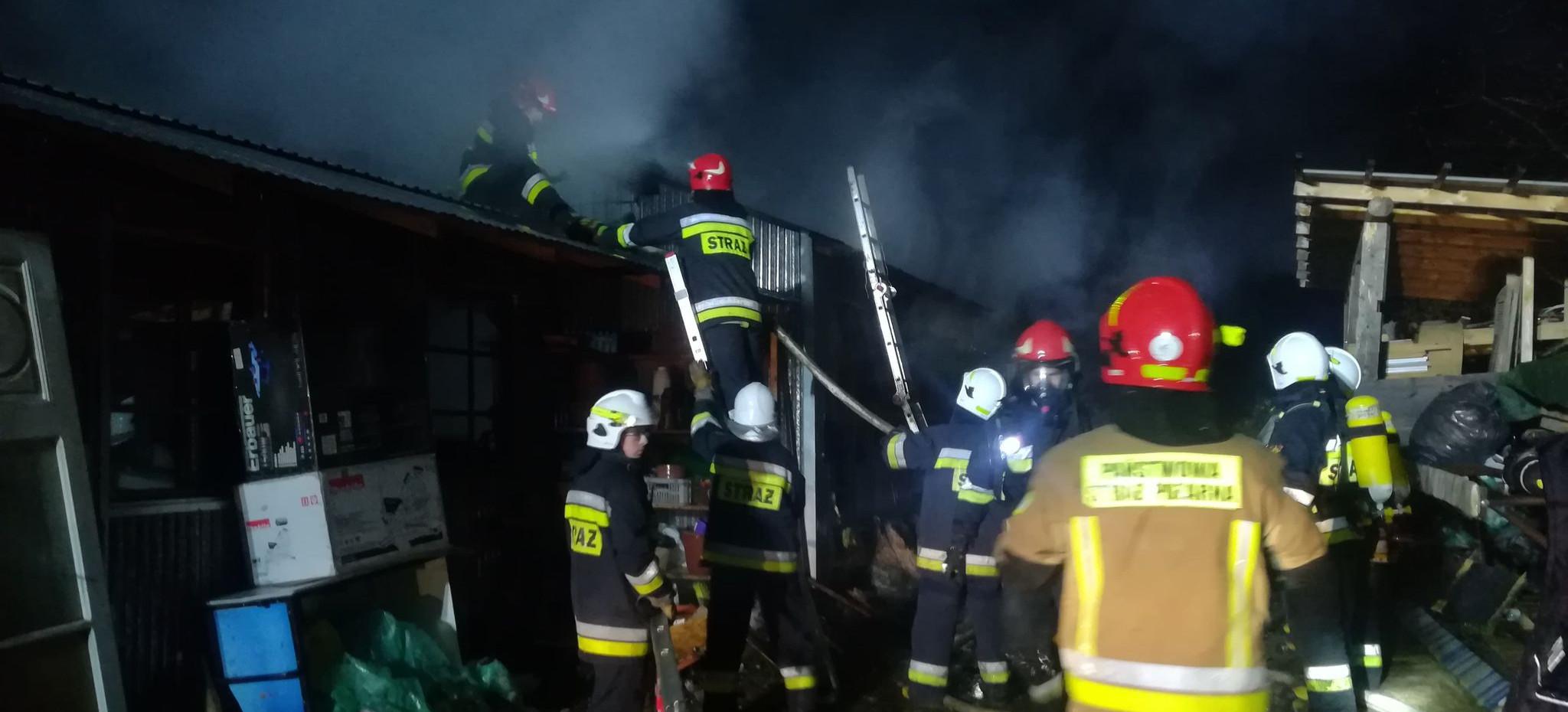 SANOK: Pożar na Kiczurach! 6 jednostek straży walczy z ogniem! (VIDEO)