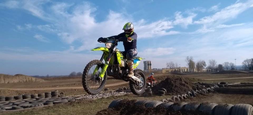 Wyremontowali tor motocrossowy w Rzeszowie! (WIDEO)