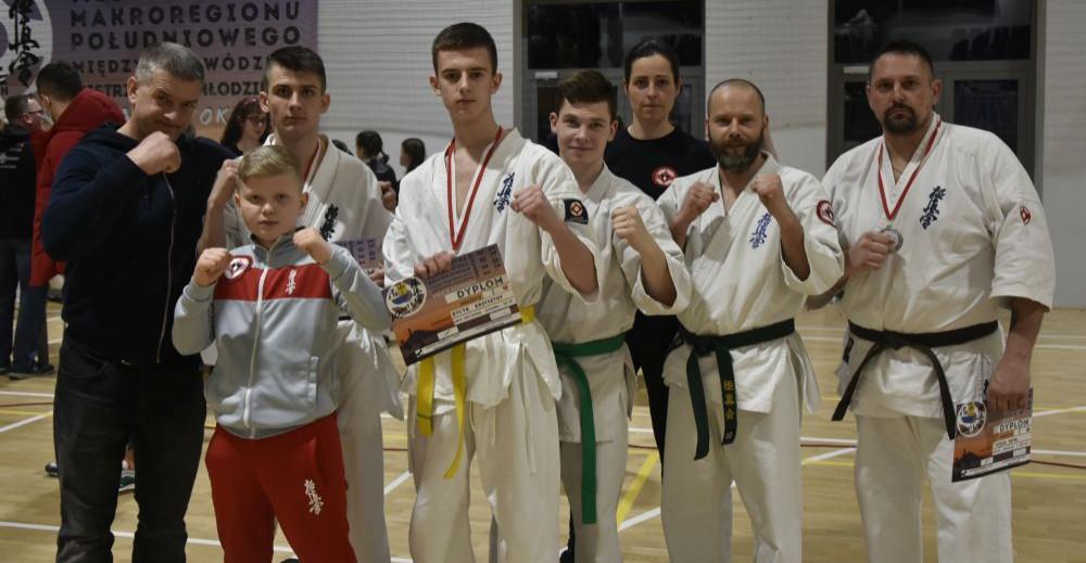 Sukcesy karateków z Niebieszczan. Złoto, srebro i brąz (ZDJĘCIA)