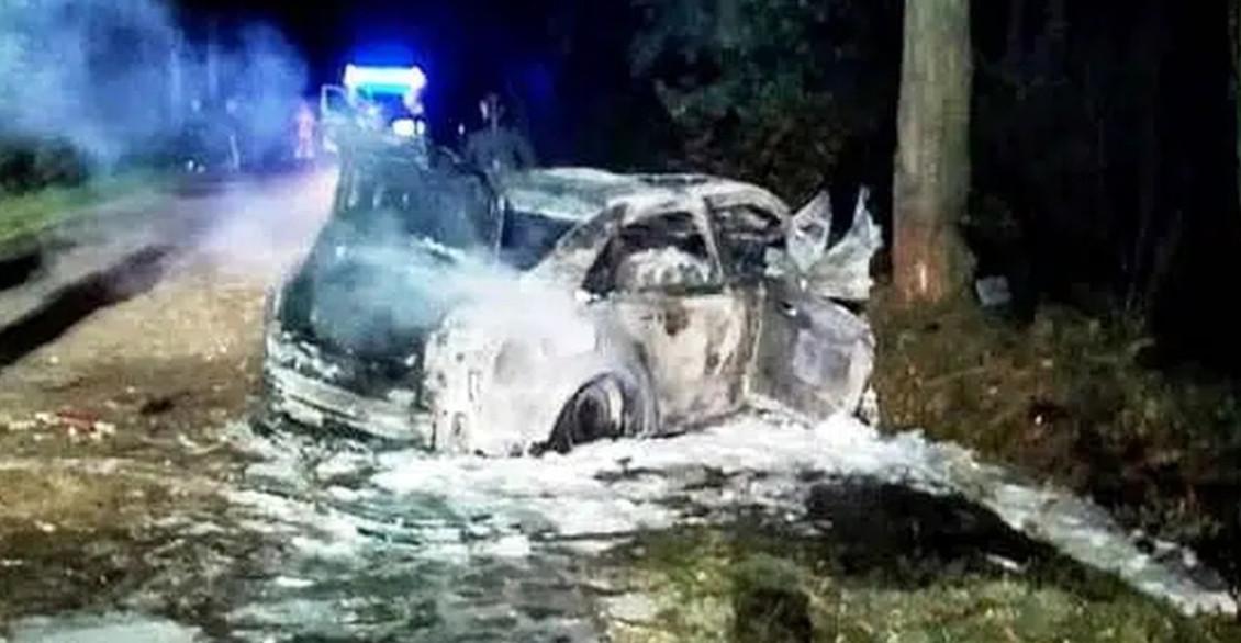 Wstrząsający wypadek. Zwęglone ciała 4 nastolatków w spalonym audi (ZDJĘCIA)