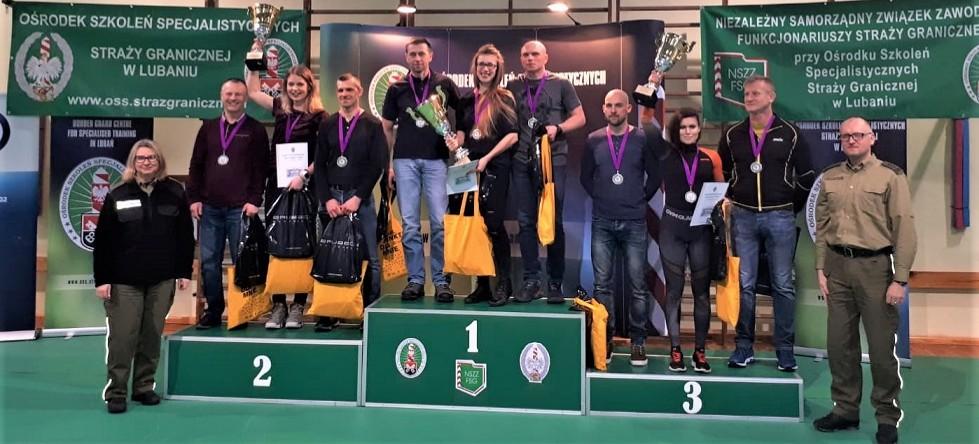 Reprezentacja bieszczadzkich pograniczników na najwyższym stopniu podium (FOTO)