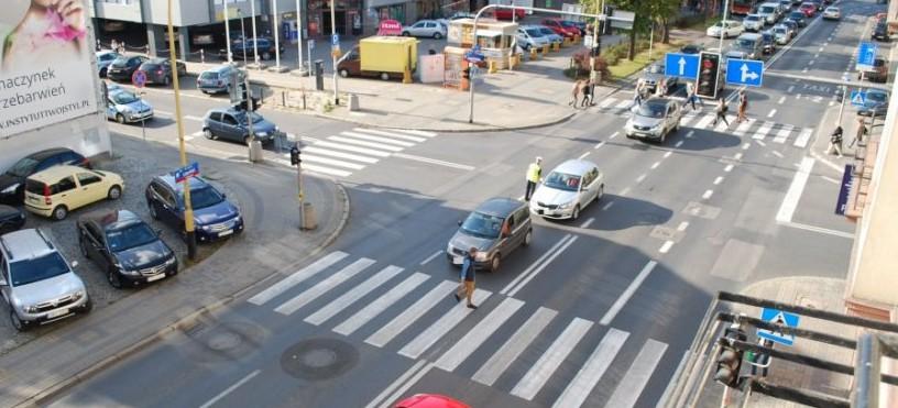 RZESZÓW: Policjanci pilnowali ruchliwych skrzyżowań. Ujawniono 21 wykroczeń