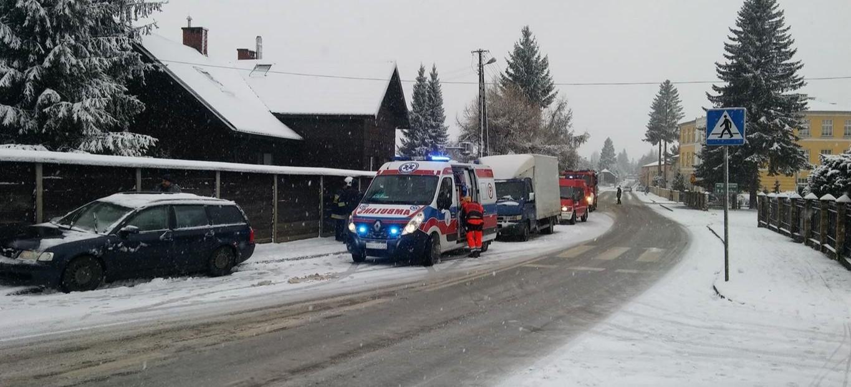 Potrącenie pieszej. Do zdarzenia doszło przed strażnicą strażacką (FOTO)