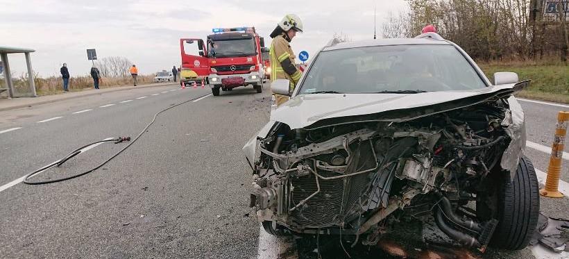 ŚWILCZA: Zderzenie dwóch aut na drodze krajowej nr 94! (ZDJĘCIA)