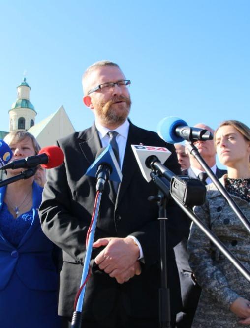 """Grzegorz Braun proponuje zawarcie """"Paktu dla Podkarpacia"""" (FILM, ZDJĘCIA)"""