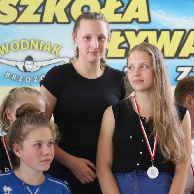 Finał święta pływania w Brzozowie. Dobra zabawa i sportowa rywalizacji (FILM, ZDJĘCIA)