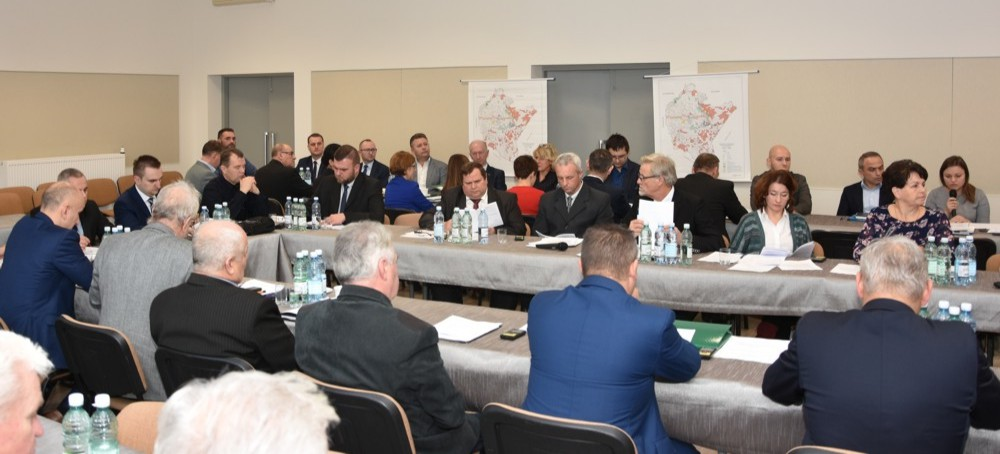 BRZOZÓW: Sesja rady miejskiej. Między innymi o dopłatach do odprowadzanych ścieków