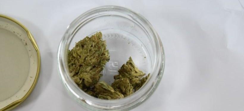 GRANICA. Ukrainiec chciał przemycić marihuanę w słoiku (FOTO)