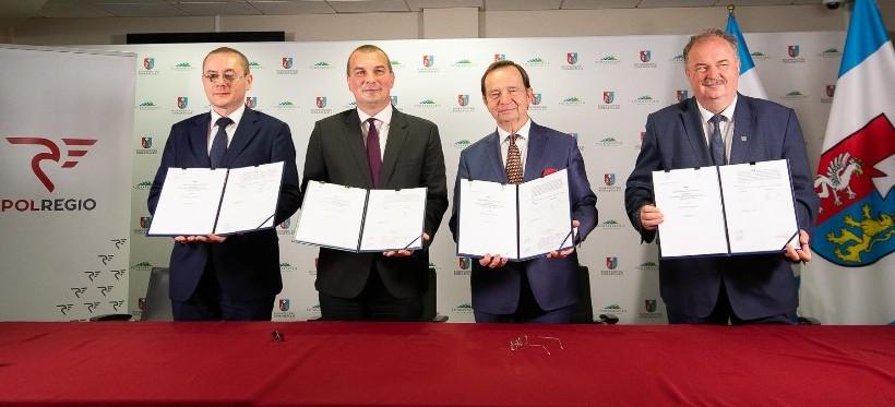 Podkarpacie podpisało umowę z POLREGIO wartą niemal pół miliarda złotych (WIDEO)