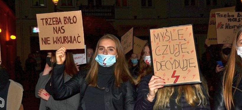 """RZESZÓW. W piątek strajk kobiet w formie """"spaceru"""""""