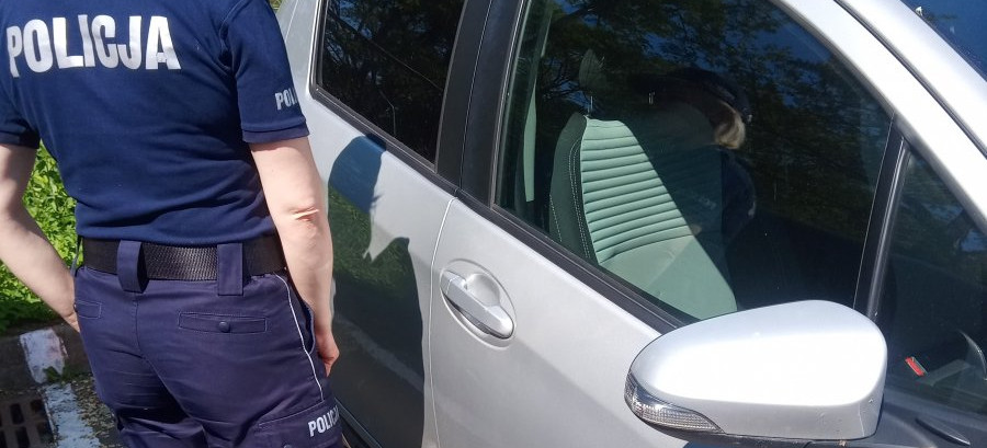 Nie zostawiaj dziecka w nagrzanym samochodzie!