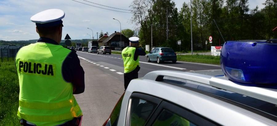 25 wypadków, 3 ofiary, 57 pijanych kierowców – pełny bilans AKCJI ZNICZ w regionie
