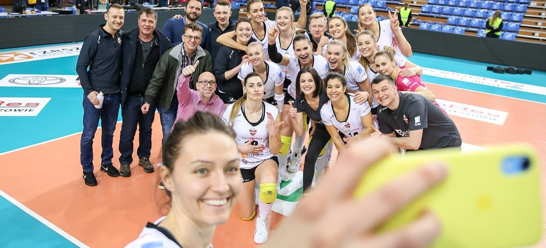 SIATKÓWKA. Dwie kobiece drużyny z Podkarpacia w połfinałach Pucharu Polski!
