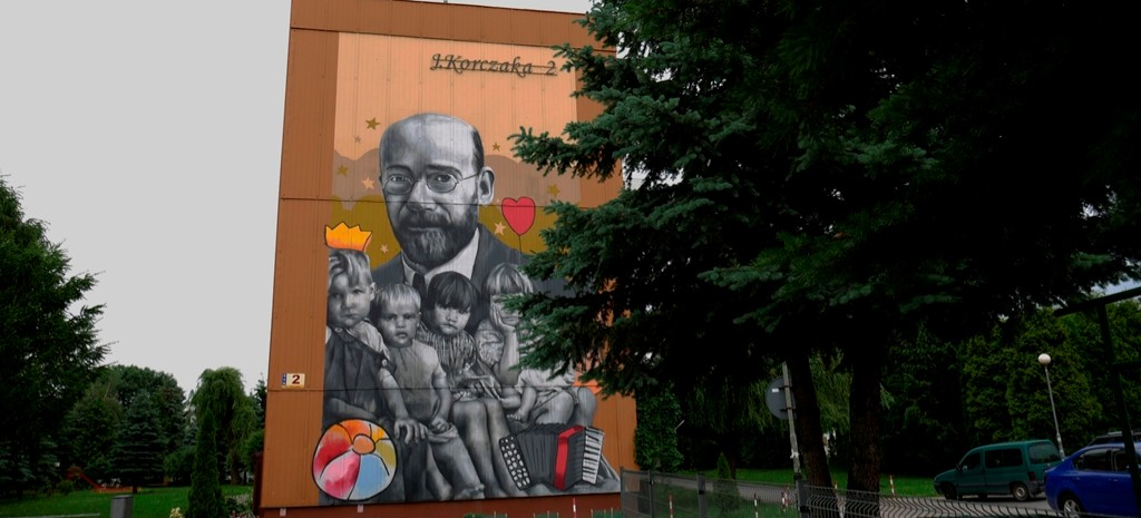 Nowy mural w Rzeszowie! Przedstawia Janusza Korczaka (ZDJĘCIA, WIDEO)