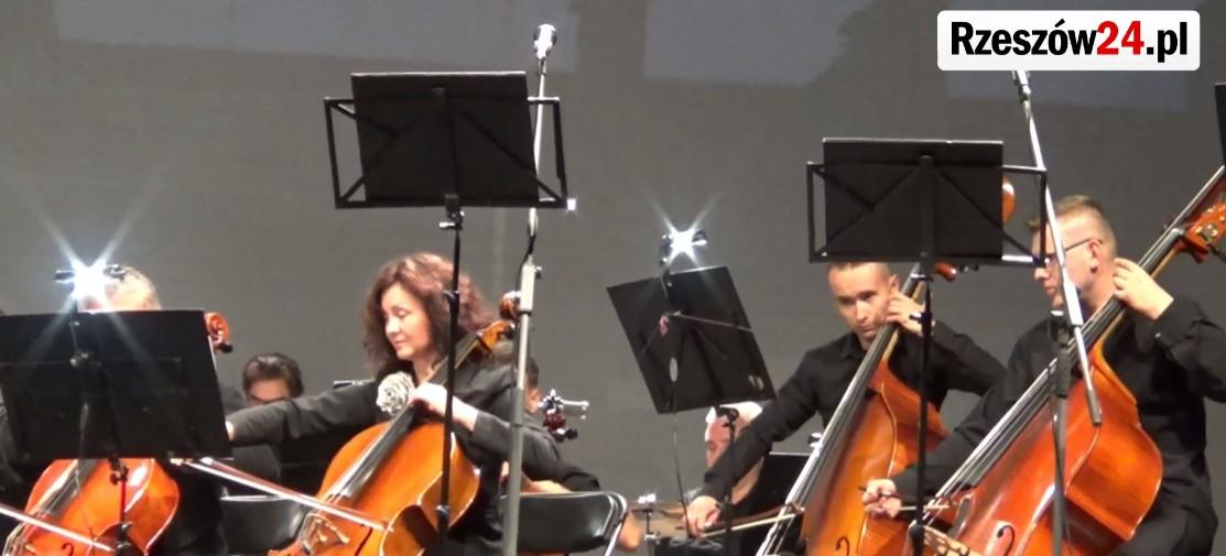 Plenerowy koncert Filharmonii Podkarpackiej (FILM)