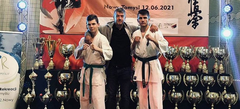 Pierwsze seniorskie mistrzostwa Polski karateków z Niebieszczan (ZDJĘCIA)