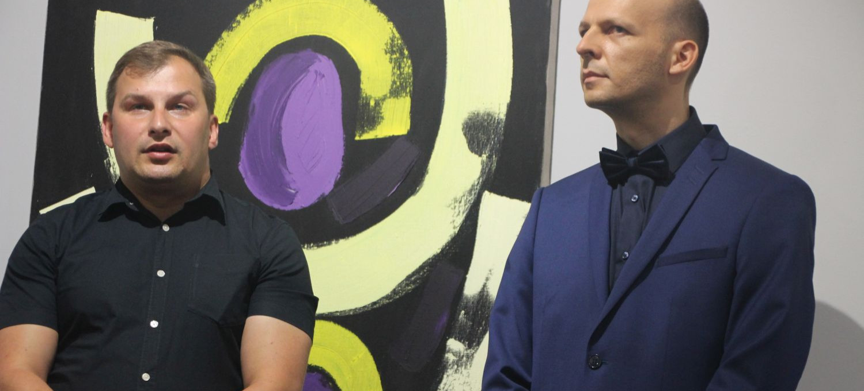 Dzieła Tomasza Wojtowicza w sanockim muzeum. Spotkanie ze światowej sławy malarzem (VIDEO, ZDJĘCIA)