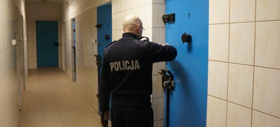 SANOK: Pomogli mężczyźnie. Po czym go… aresztowali