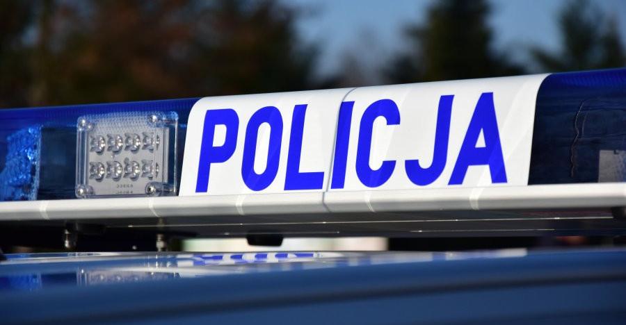 Młody kierowca potrącił nastolatkę i uciekł