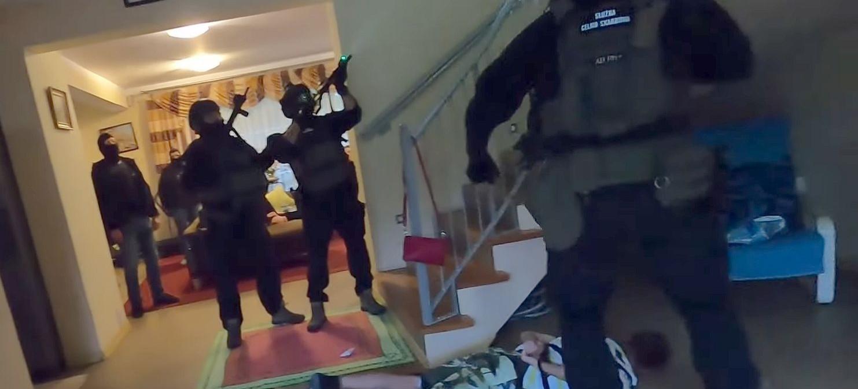 Rozbita grupa przestępcza. Nagranie z akcji zatrzymania (VIDEO)