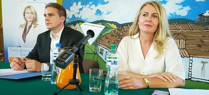 O służbie zdrowia, rolnictwie i nierównym traktowaniu. Spotkanie przedstawicieli PO z mieszkańcami Leska (TRANSMISJA LIVE)