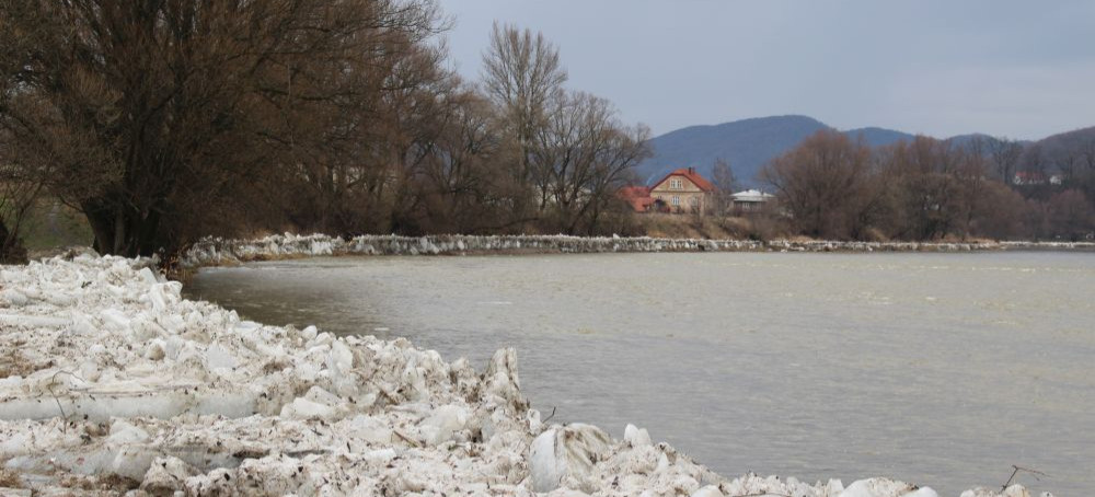 Więcej wody w rzekach. Przekroczone stany ostrzegawcze