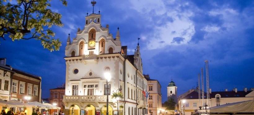KORONAWIRUS. Urząd Miasta Rzeszowa zawiesza bezpośrednią obsługę petentów!