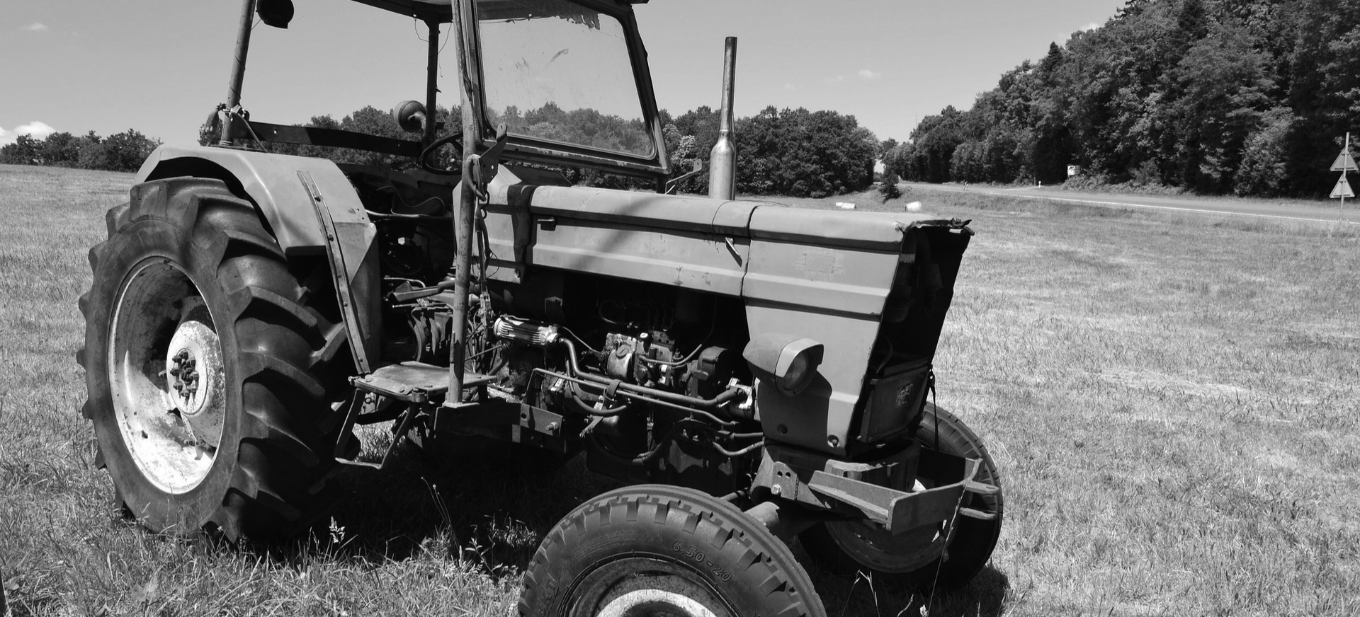 Traktor przygniótł mężczyznę. 59-latek nie żyje
