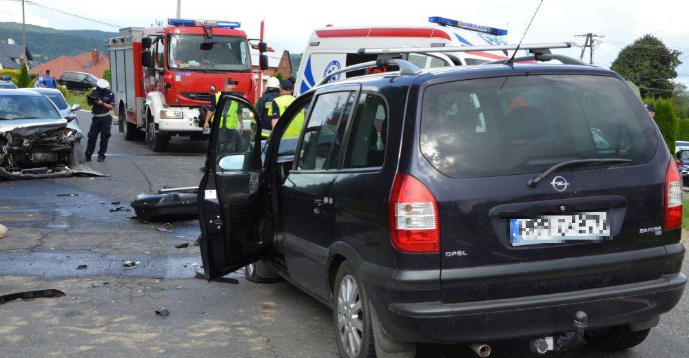Śmiertelny wypadek w Humniskach, dwie osoby w szpitalu (ZDJĘCIA)