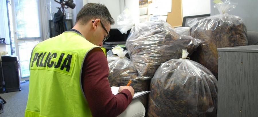 RZESZÓW: Zlikwidowano nielegalną wytwórnię tytoniu (FOTO)
