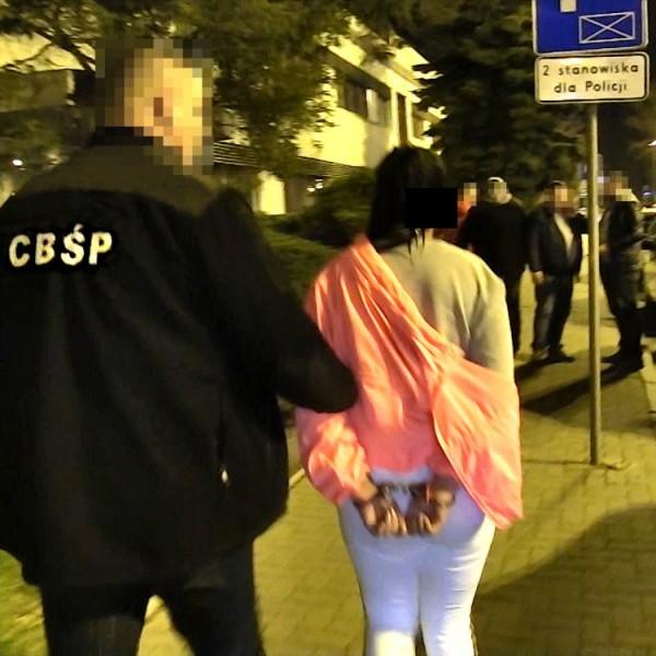 Seksgang, oferujący młode polki w wielu europejskich krajach, rozbity (Foto, Video)