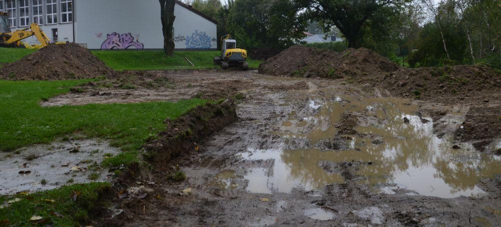 JASŁO: Ruszyły prace przy dwóch boiskach sportowych (FOTO)